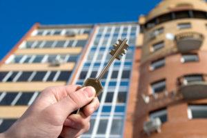 Можно ли приватизировать квартиру без согласия одного из прописанных