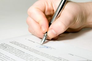 Нужно ли заверять юридическую расписку у нотариуса по закону